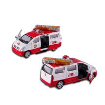Piros mentőautó PEZ cukorkával